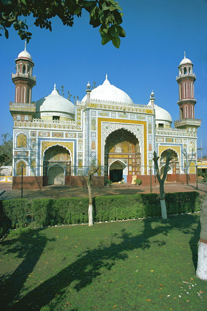 Dai Anga mosque, 1635AD, Lahore, Punjab, Pakistan, Asia