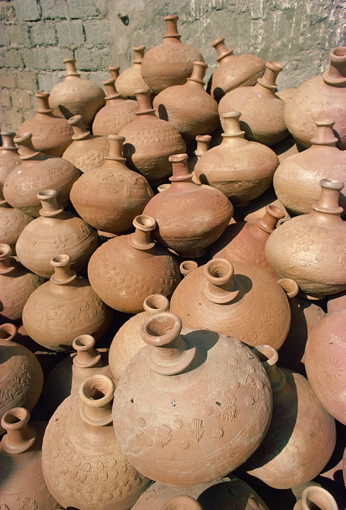 Pots for sale, Karachi Market, Karachi, Pakistan, Asia