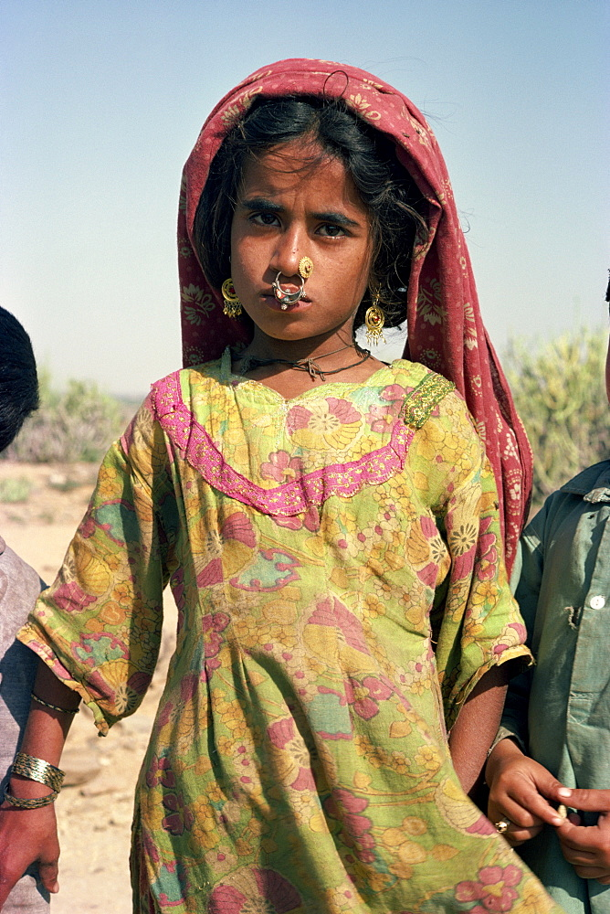 Sindi girl at Chaukundi, Sind, Pakistan, Asia - 1-9627