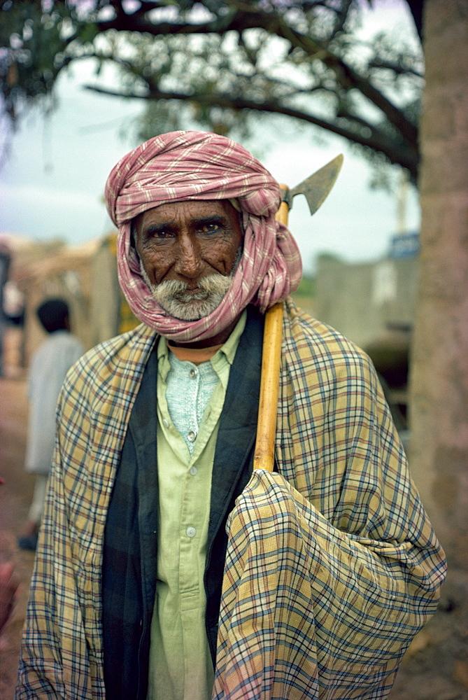 Sindi man, Pakistan, Asia - 1-9691