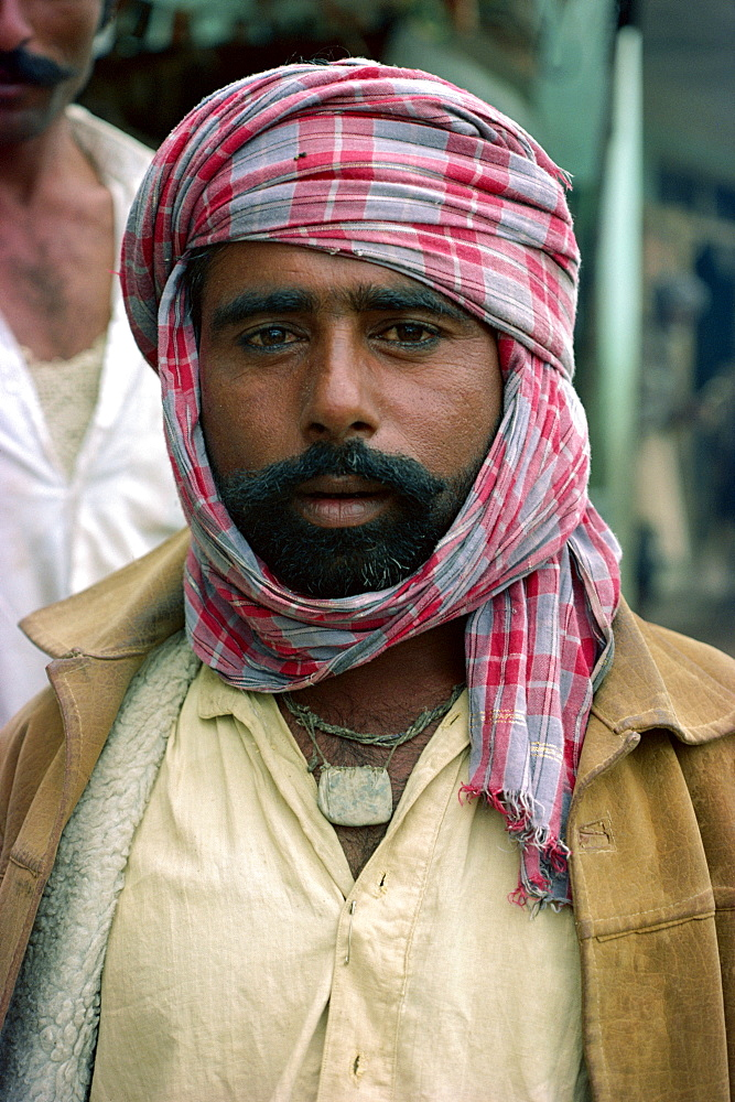 Sindi man, Pakistan, Asia - 1-9704