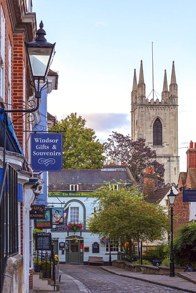 The Guildhall area with cafes, tearooms and tourist shops, Windsor, Berkshire, England, United Kingdom, Europe - 10-419