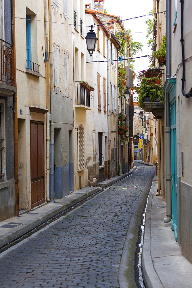 Old town streets, Ceret, Vallespir region, Pyrenees, France, Europe - 10-438