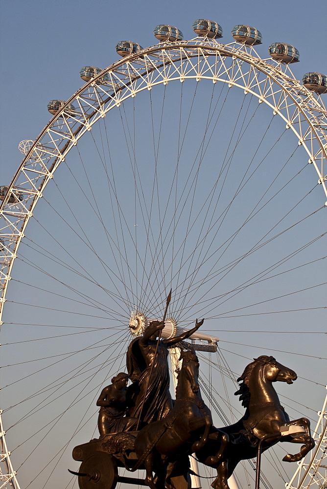 Statue of Boudicca and the London Eye, London, England, United Kingdom, Europe