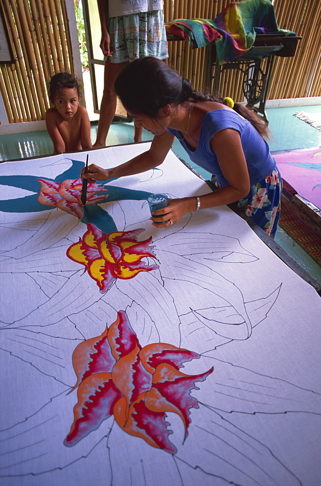 Painting pareu design, Bora Bora, Tahiiti, Society Islands, French Polynesia, Pacific Islands, Pacific - 110-5563