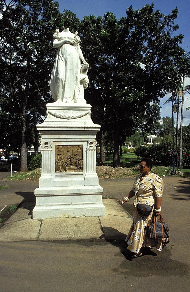 Empress Josephine's headless statue, Fort de France, Martinique, Caribbean, West Indies, Central America