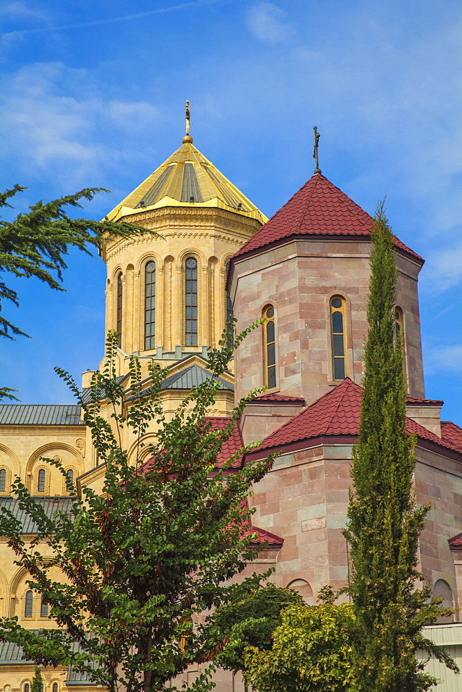 Taminda Sameba Cathedral (Holy Trinity Cathedral), the biggest Orthodox Cathedral in the Caucasus, Tbilisi, Georgia, Caucasus, Central Asia, Asia