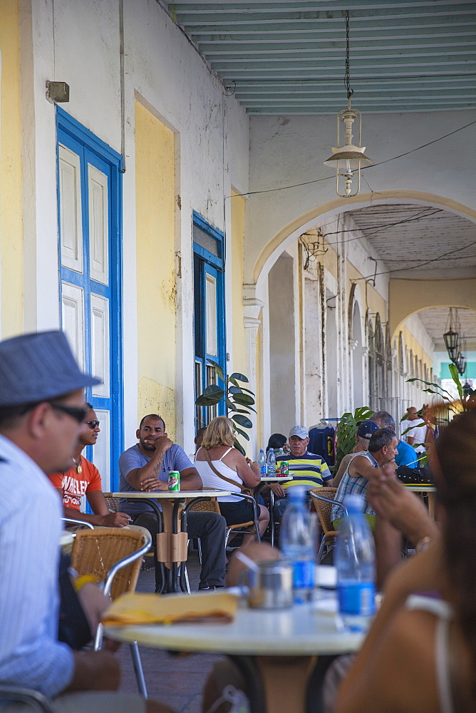 Outside terrace of El Palatino bar, Parque Marta, Cienfuegos, Cienfuegos Province, Cuba, West Indies, Caribbean, Central America