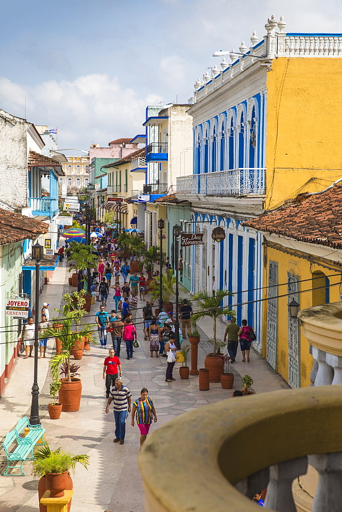 Calle Independencia Sur, a pedestrian shopping street, Sancti Spiritus, Sancti Spiritus Province, Cuba, West Indies, Caribbean, Central America