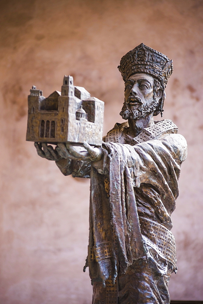 Statue of Guglielmo II at Monreale Cathedral (Duomo di Monreale) in Monreale, near Palermo, Sicily, Italy, Europe