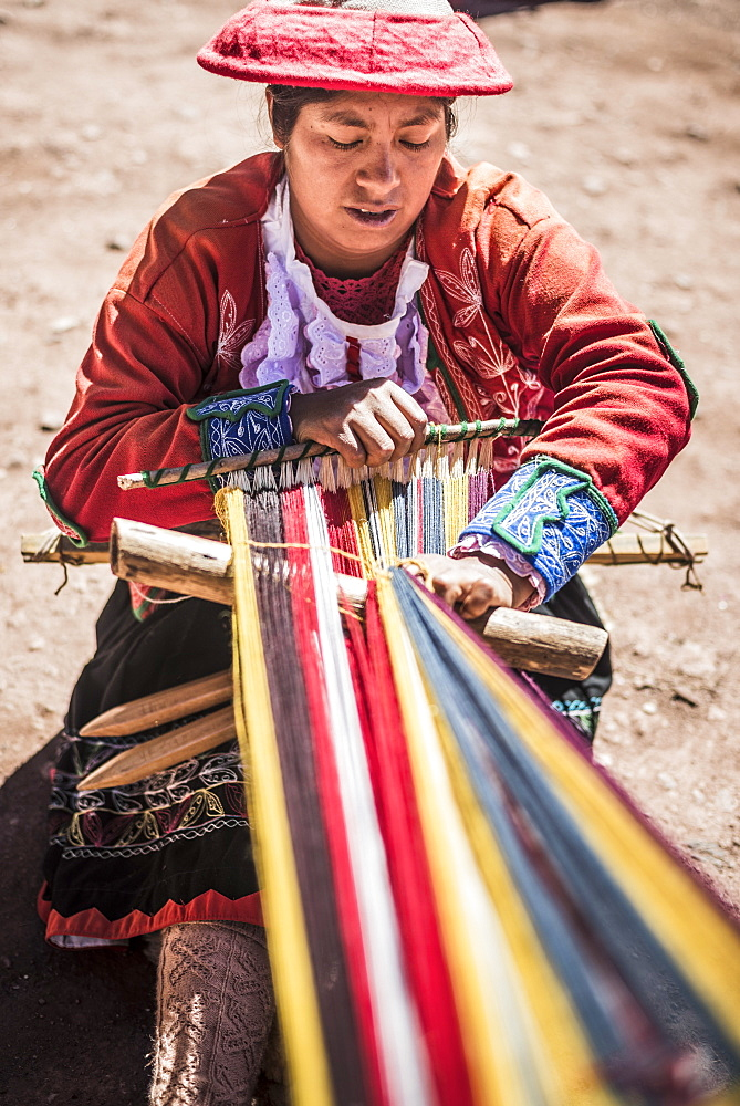 Ccaccaccollo weaving community, Sacred Valley of the Incas, near Cusco, Peru, South America