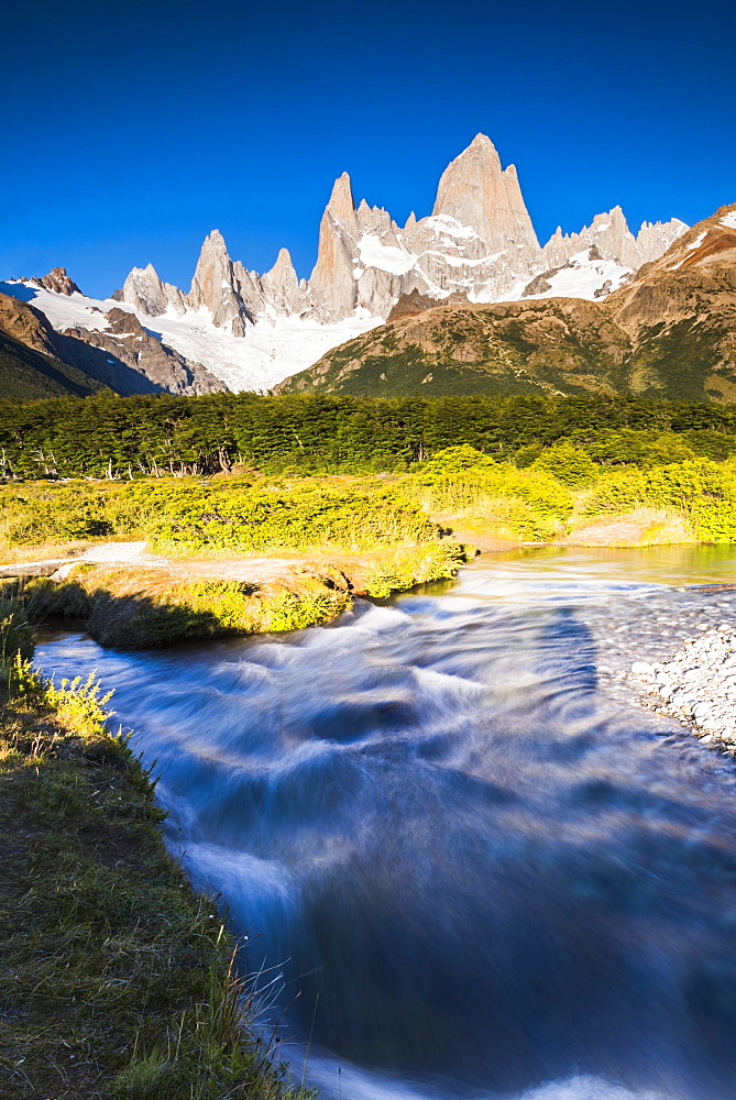 Mount Fitz Roy (Cerro Chalten), a typical Patagonia landscape, Los Glaciares National Park, UNESCO World Heritage Site, El Chalten, Argentina, South America