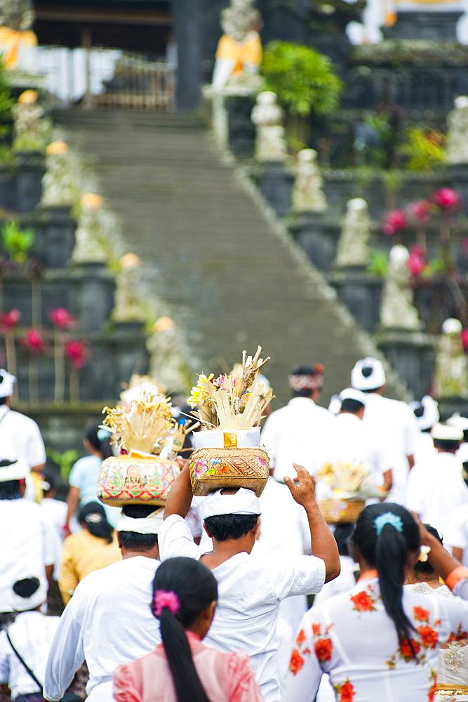Hindu people at a religious Hindu festival at Besakih Temple (Pura Besakih), Bali, Indonesia, Southeast Asia, Asia