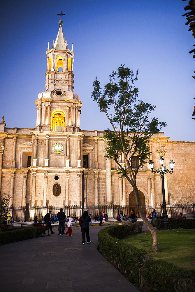 Night at Basilica Cathedral of Arequipa (Basilica Catedral), Plaza de Armas, UNESCO World Heritage Site, Arequipa, Peru, South America
