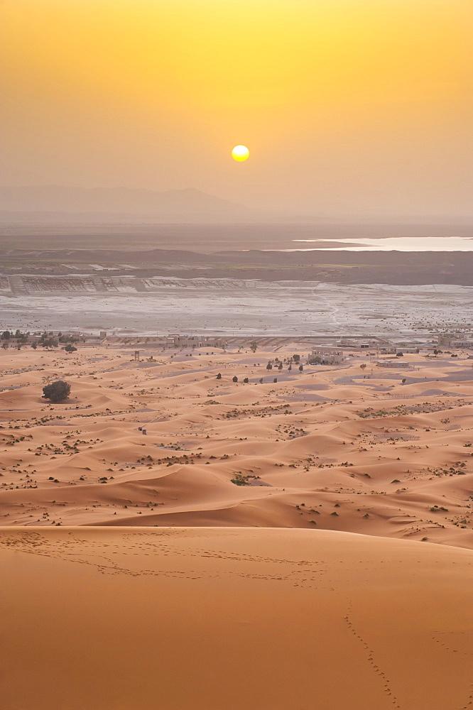 Erg Chebbi Sahara Desert sunset from the top of a 150m sand dune, near Merzouga, Morocco, North Africa, Africa