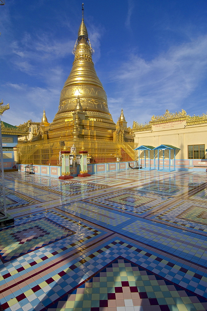 Sun U Ponnya Shin Pagoda, Sagaing Hill on the banks of Irrawaddy river, 20km from Mandalay, Myanmar, Burma