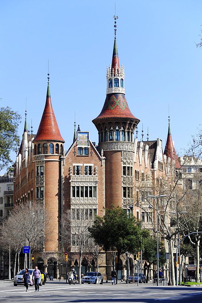 Casa de Les Punxes by the architect Josep Puig, Avinguda Diagonal, Eixample, Barcelona, Catalonia, Spain