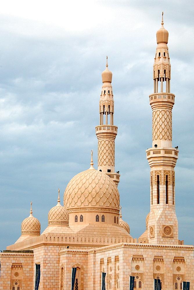 View of a Mosque, Dubai, United Arab Emirates, UAE - 1113-103044