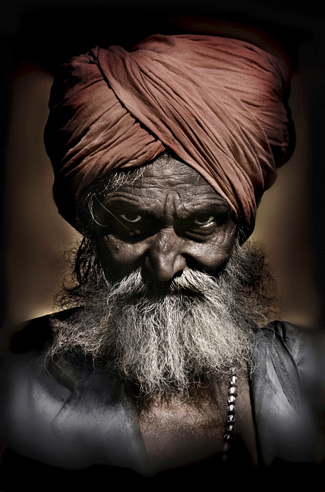 Portrait of a magician, Jaipur, Rajasthan, India, Asia
