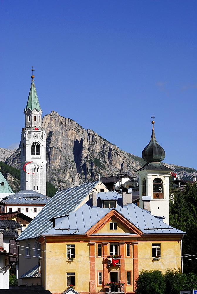 Churches and campanile, Cortina d' Ampezzo, Col Rosa in background, Dolomites, Veneto, Italy