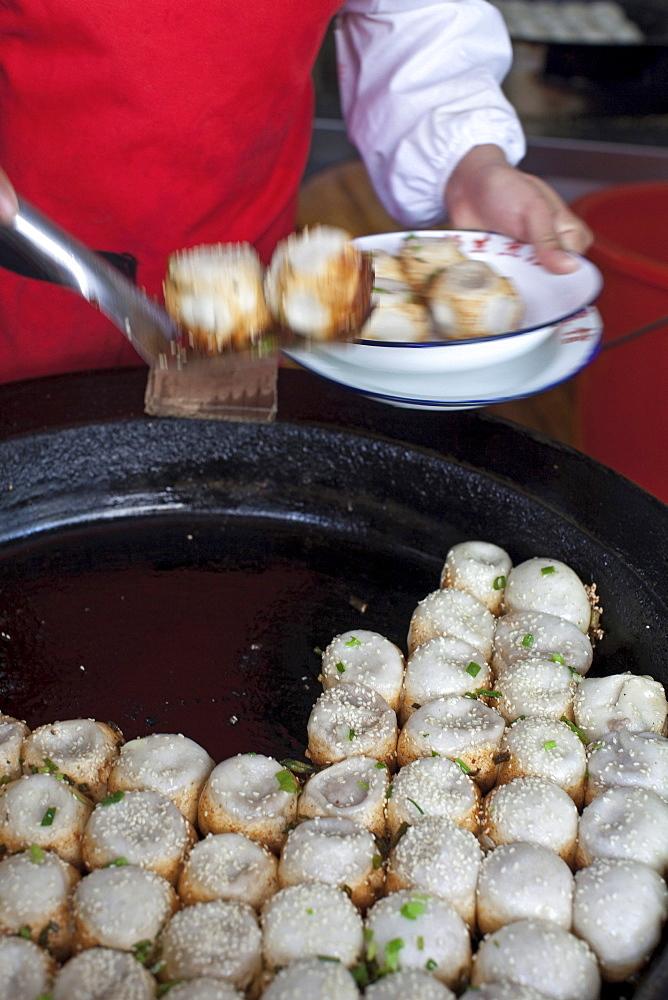 Traditional food at Huxinting Teahouse, Yu Yuan Garden, Nanshi, Feng Shui, Shanghai, China, Asia
