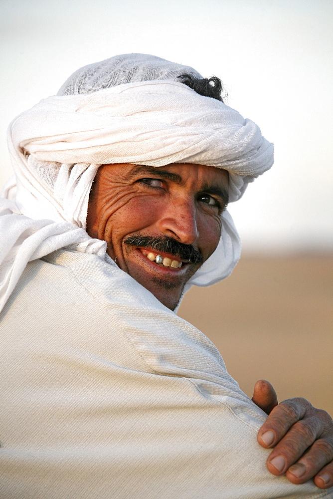 Smiling berber, Erg Chebbi desert, Morocco, Africa