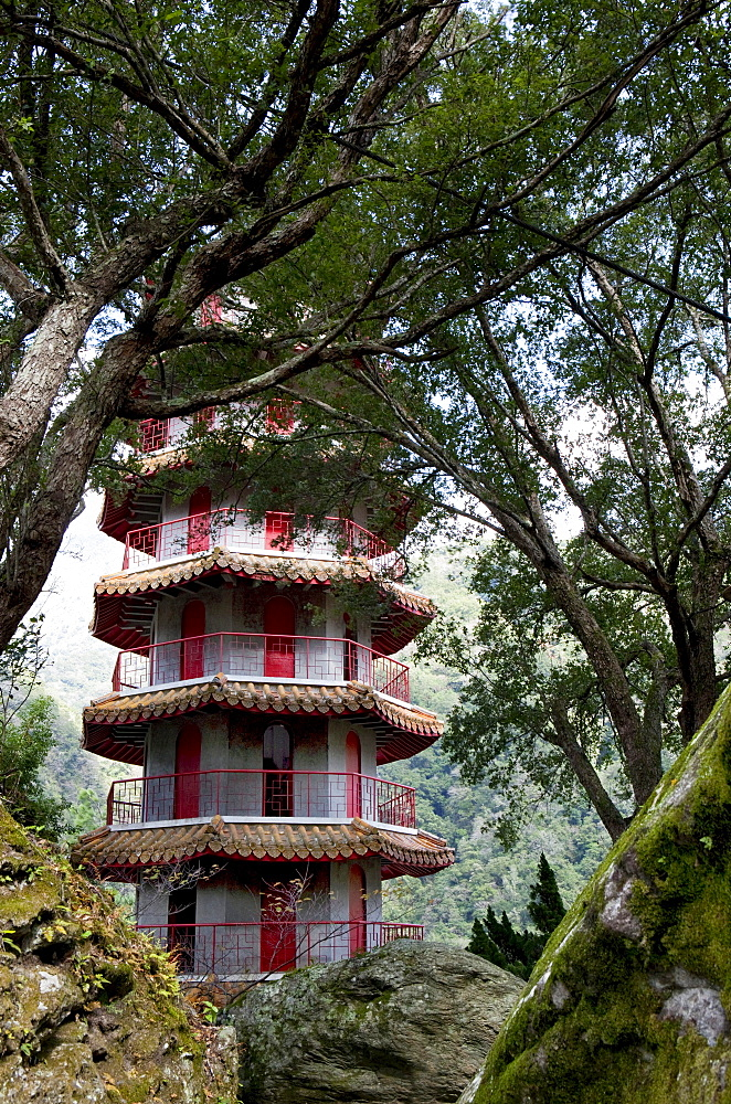 Tower of the Hsiang-Te temple behind trees, Tienhsiang, Taroko Gorge, Taroko National Park, Taiwan, Asia