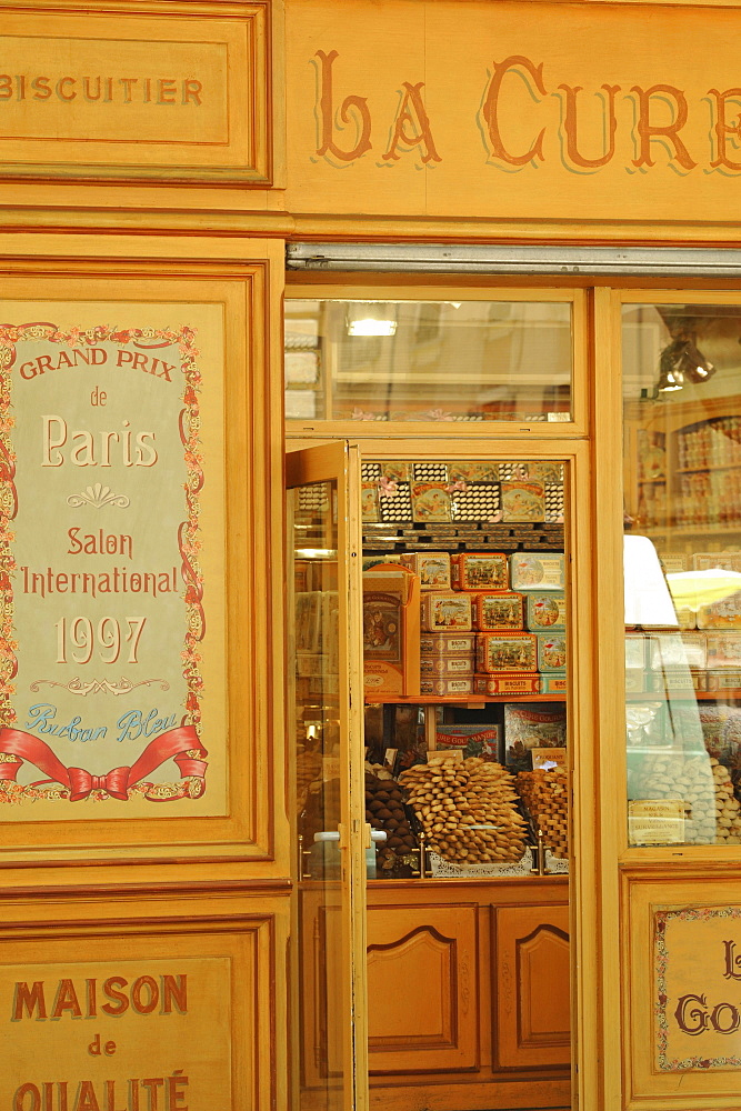 Biscuits and specialties shop at Aix-en-Provence, Provence, France, Europe