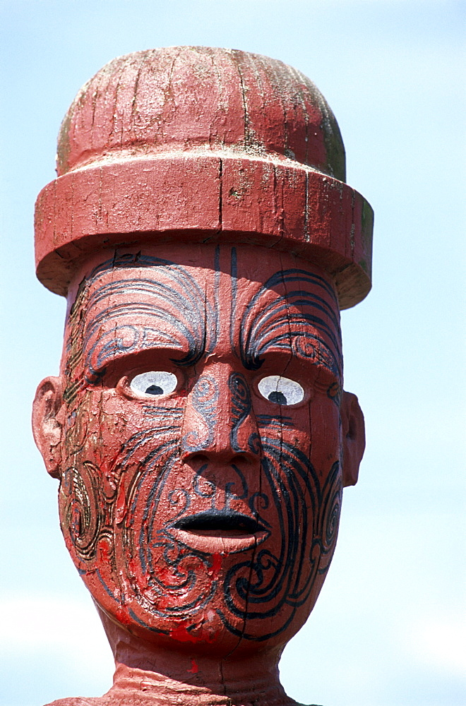 Wooden scaulpture on a marea, a meeting place of the Maori in Rotorua, North island, New Zealand