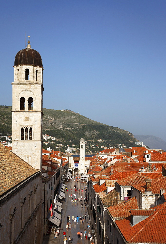 View along Stradun to town hall and clock tower, Old Town, Dubrovnik, Dubrovnik-Neretva county, Dolmatia, Croatia