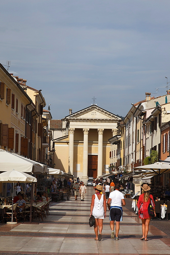 High street, Bardolino, Lake Garda, Veneto, Italy