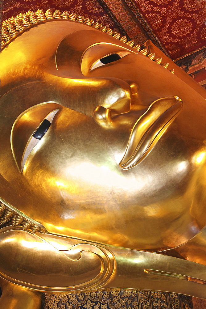 Lying Buddha, Temple of the Reclining Buddha, Wat Phra Chettuphon, Bangkok, Thailand, Asia