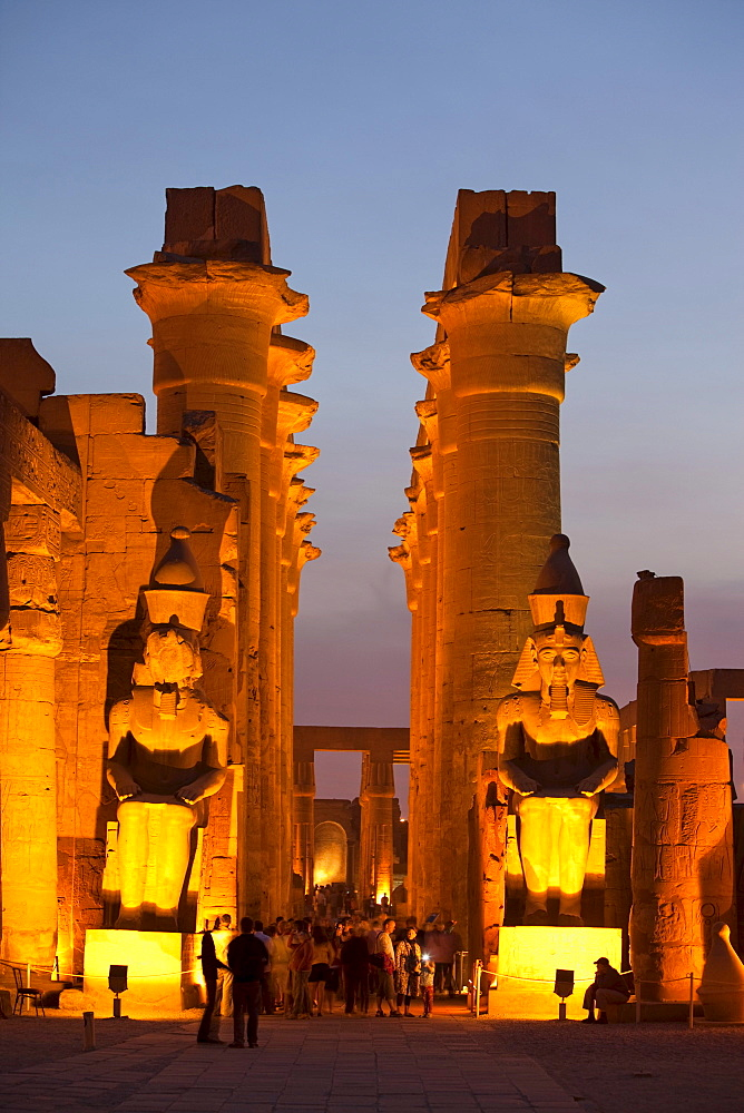 Great court of Ramesses II in the evening light, view into the Colonnade, Luxor Temple, Luxor, Egypt, Africa