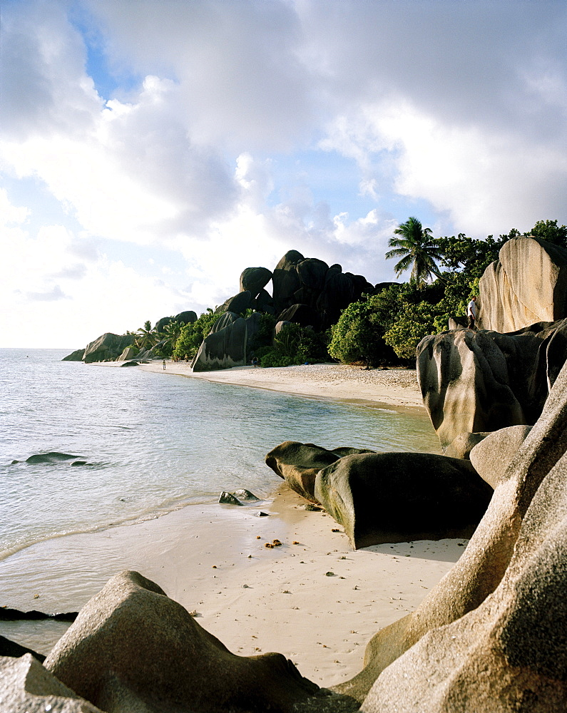 Worlds most famous beach Anse Source d'Argent with its granitic rocks, south western La Digue, La Digue and Inner Islands, Republic of Seychelles, Indian Ocean
