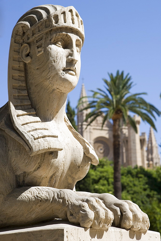 Passeig des Born Statue and La Seu Palma Cathedral, Palma, Mallorca, Balearic Islands, Spain