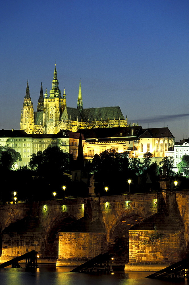 Charles Bridge, St. Vitus Cathedral and Hradcany at night, Prague, Czechia, Europe