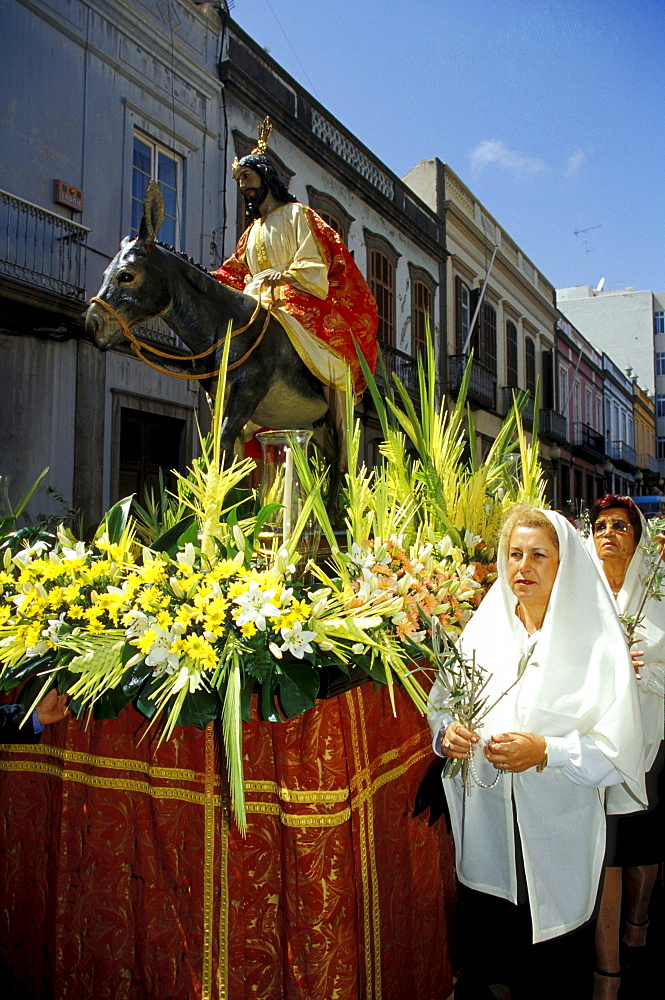 Palm sunday Prozession through the old town, Las Palmas, Gran Canaria, Canary Islands, Spain