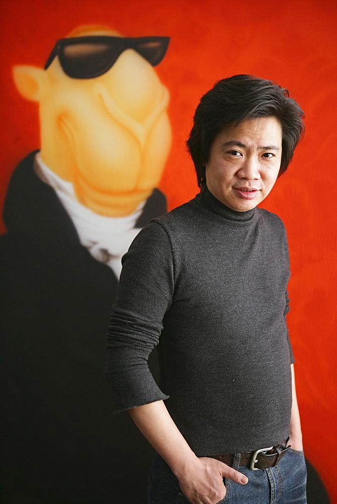 ShanghART art gallery, Moganshan, Portrait of painter Zhou Tiehei, born 1966, exibition hall, Gallery, art dealer, art dealer, 50 Moganshan Road