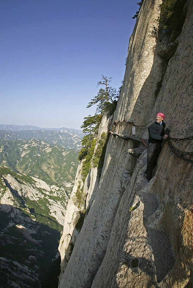 chains and planks, vertical stone cliffs, Taoist mountain, Hua Shan, Shaanxi province, Taoist mountain, China, Asia