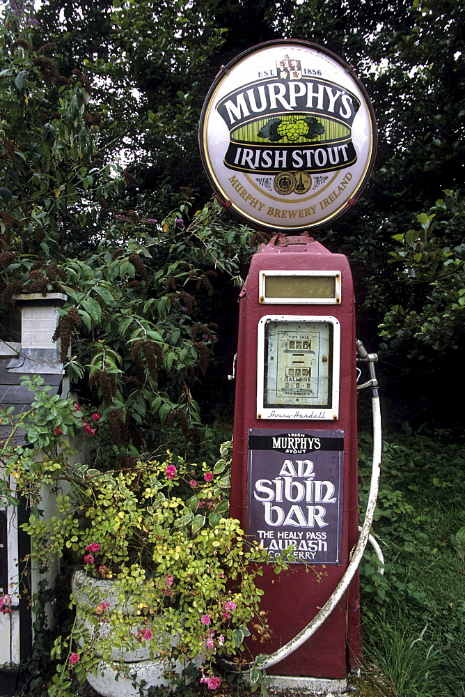 An Sibin Bar Old Petrol Pump, Beara Peninsula, Near Lauragh, County Cork, Ireland