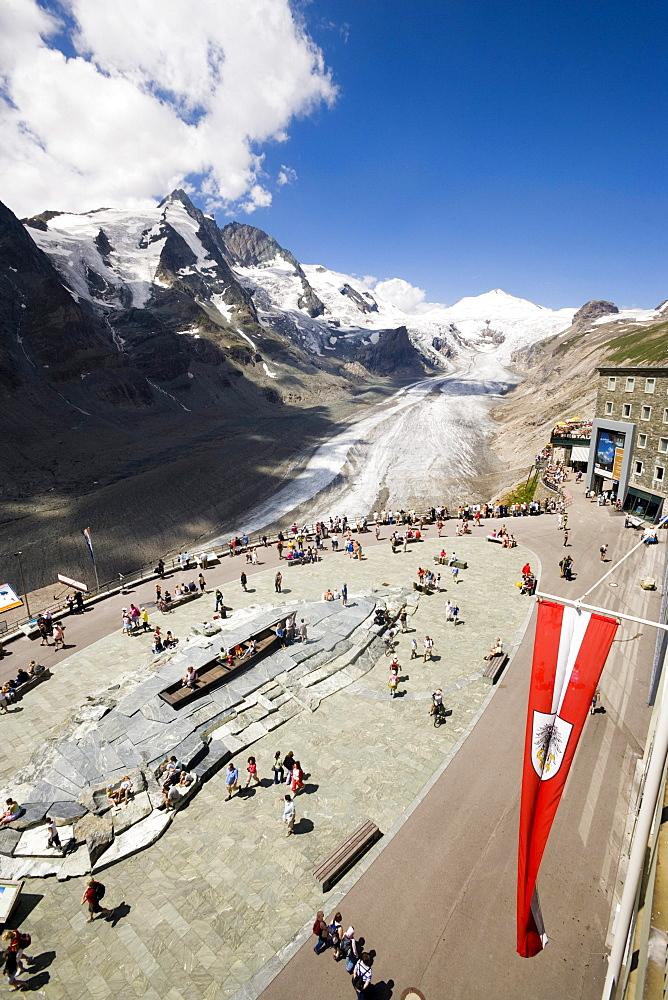 View over Franz Josephs Hoehe (2369 m) to Pasterze glacier (the biggest glacier of Austria) and Grossglockner (3798 m, highest mountain of Austria), Carinthia, Austria