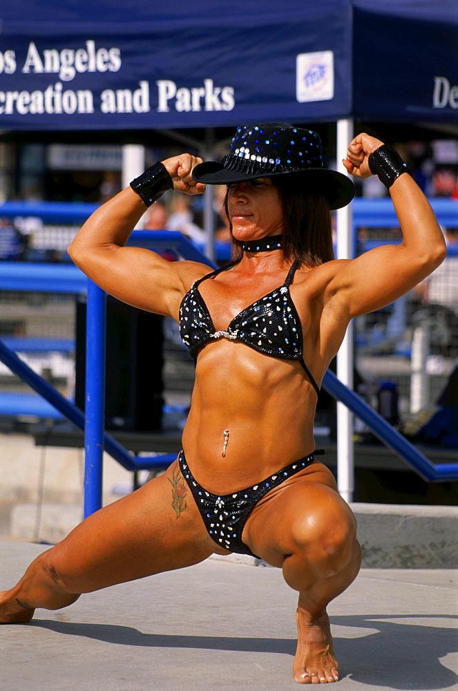 Female Bodybuilder, Muscle Beach, Venice, L.A., Los Angeles, California, USA