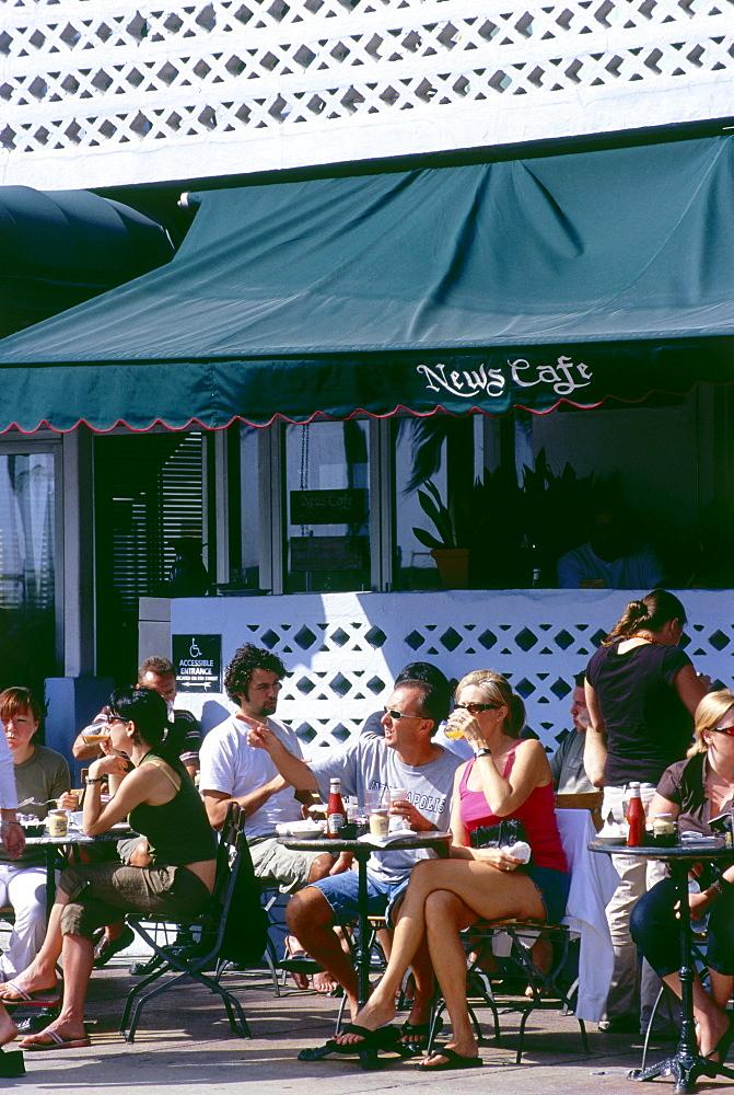 News Cafe, Ocean Drive, South Beach, Miami, Florida, USA