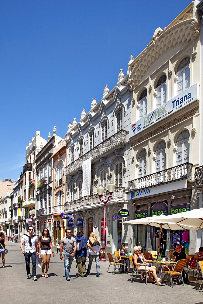 People in a shopping street at the old town, Triana, Las Palmas, Gran Canaria, Canary Islands, Spain, Europe