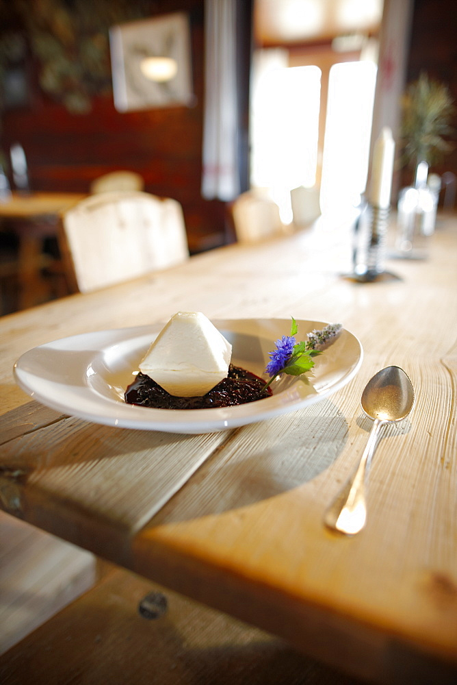 Dessert in the restaurant Rodelhuettenstube, Ecohotel Grafenast, Am Hochpillberg, Schwaz, Tyrol, Austria