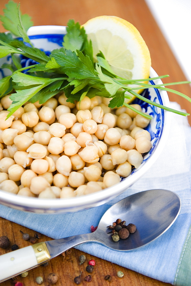 Chickpea salad in a bowl with parsley and lemon, Pulses, Healthy, Homemade