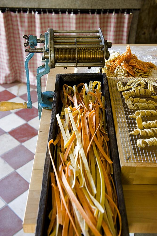 Homemade noodles, Pasta with pasta machine, Homemade