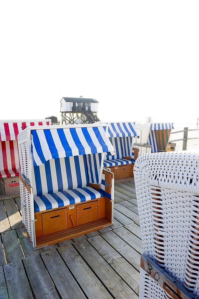 Beach chairs on the beach, Sankt Peter-Ording, Wadden Sea National Park, Eiderstedt peninsula, North Frisian Islands, Schleswig-Holstein, Germany, Europe