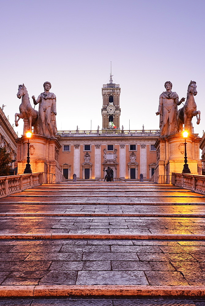 Cordonata capitolina, staircase leading towards statues of Castor and Pollux in the evening, architect Michelangelo, Senatorial Palace in background, illuminated, Capitoline Hill, UNESCO World Heritage Site Rome, Rome, Latium, Lazio, Italy