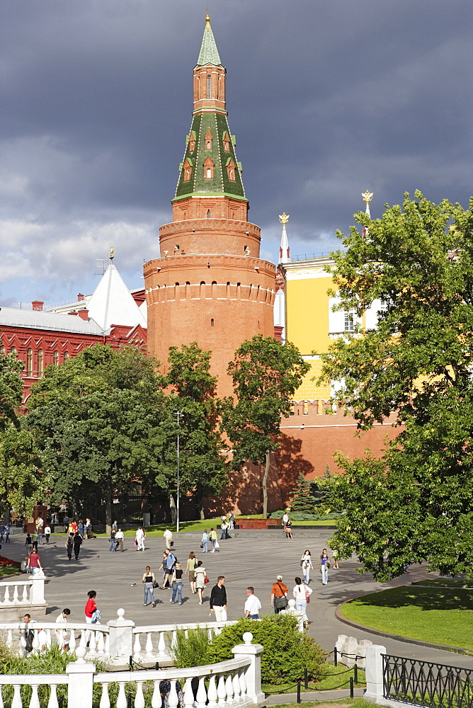 Alexander garden and Arsenal tower, Moscow, Russia
